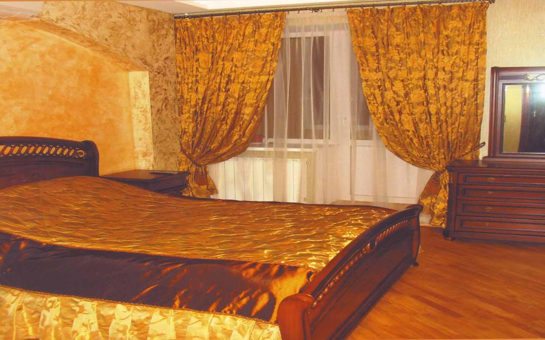 пошив штор и покрывала для спальни